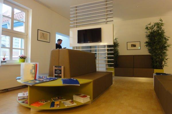 tischlerei fischer arztpraxis. Black Bedroom Furniture Sets. Home Design Ideas